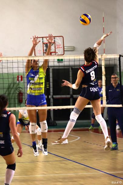 Elisa in azione contro Volley Stadium Mirandola